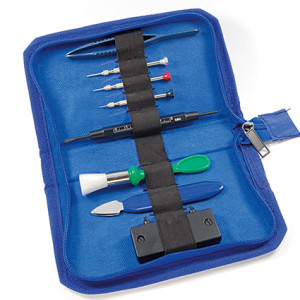 Tool set for battery change